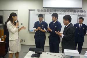 奈良県香芝署で看護師を招いた感染対策研修会