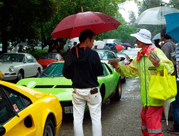 京都府上京署がスーパーカーのイベントで広報啓発活動