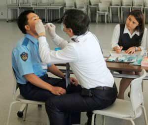 三重県警察学校で歯科医師の講義と歯科検診を実施