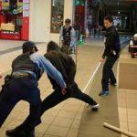 群馬県警が大型商業施設で無差別殺傷テロ訓練を実施