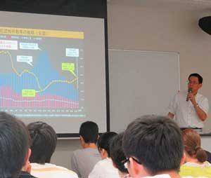 静岡県警本部長が大学で警察行政について講義