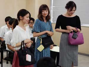 愛知県警が企業等と「女性が持ちたくなる防犯ブザー」開発