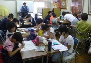 豪雨災害被災地の子供たちに広島県呉署が遊び場所を提供