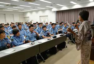 奈良県警察学校で初任科生対象の禁煙セミナー