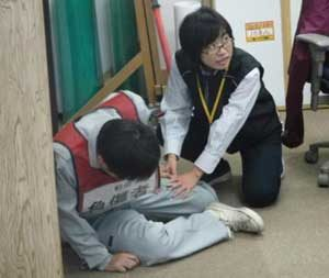 岩手県二戸署でテロ事案想定の訓練を実施