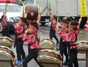 滋賀県警高速隊がSA・PAで交通安全の啓発活動
