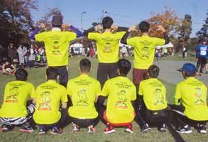 新潟県五泉署員がオリジナルTシャツ着てマラソン大会出場