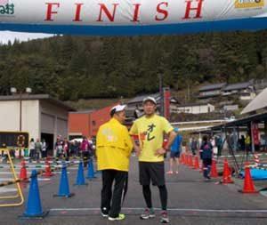 愛知県設楽署の生安課長と刑事係長がマラソン大会で快走