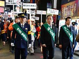 埼玉県警で本部長と知事の大宮駅周辺地区巡視を実施