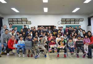 京都府舞鶴署でチャリティバザーと餅つき大会を開催