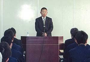 奈良県橿原署で元プロ野球選手・佐々木恭介さんが講演