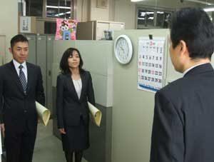 京都府警の職員に警生協理事長が感謝状を授与