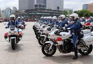 神奈川県警で春の全国交通安全運動の出発式