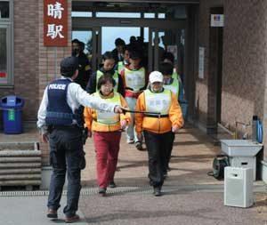 群馬県警がロープウェイでの無差別テロ対処訓練を実施