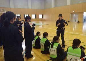 滋賀県警で警備実施部隊と女性特別機動隊の治安警備訓練