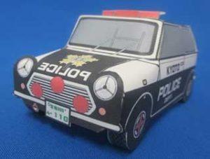 京都府舞鶴署の「パトカー・ペーパークラフト」が人気