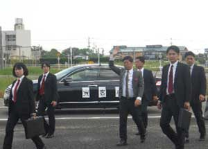 佐賀県警で女性警護専従員らの警護訓練を実施