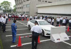 宮崎北署で署員の安全サポート車乗車体験会を開催