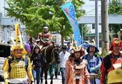 愛知県南署で「武将隊」の事故防止・防犯キャンペーン