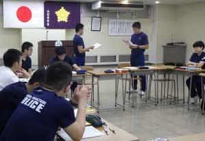 山形県警察学校で学生主体の英会話サークルを結成