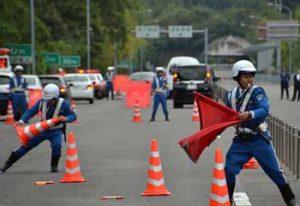 広島県警高速隊が実戦的災害対応訓練