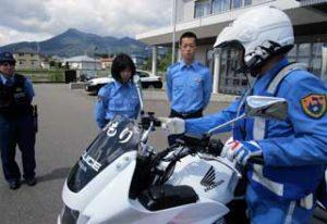 青森県むつ署で高校生招いた「オープンポリス」