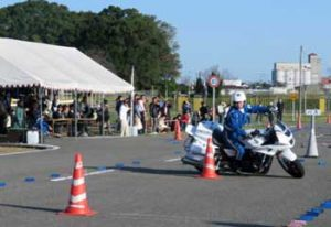 佐賀県警で2部構成の交通安全フェス開く