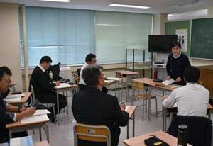 長野県警で民間語学学校の講師招いた中国語研修を実施
