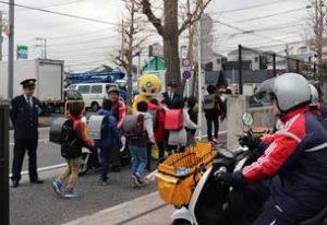 神奈川県警が朝日新聞配達会社と見守り活動を強化