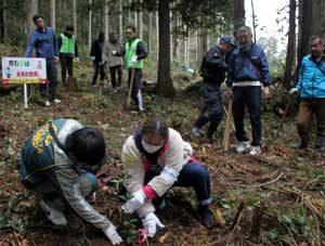 和歌山県警で少年の立ち直り支援として森林環境保全活動を実施