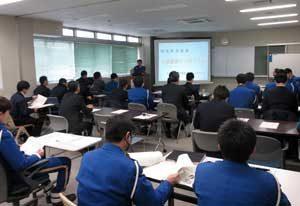宮城県警高速隊で若手向けの交通事故捜査シンポジウム