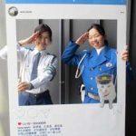 岡山県岡山西署で「交通安全チャレンジ」の写真用パネルを設置