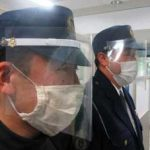 福岡県柳川署で飛沫感染防止のフェイスガードを製作