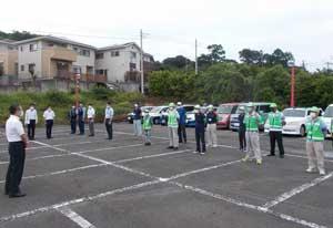 静岡県警の生安企画課長が防犯ボランティア・青パトを視察督励