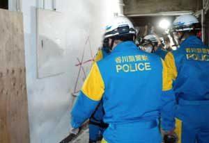香川県坂出署で解体前旧庁舎使った災害警備訓練