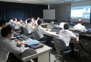宮崎県警でリモート形式の交通管理専科を導入