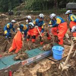 鳥取県警の広域緊急援助隊が災害現場活動状況を本部長に報告