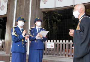 奈良県警で大学生が一日文化財保安官に就任し文化財防犯活動を実施
