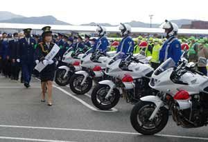 福岡県粕屋署で年末年始特別警戒部隊の出陣式