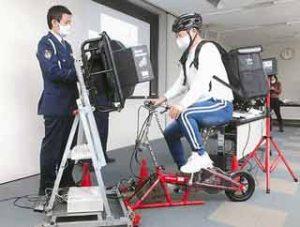兵庫県警がUberEats配達員に交通安全セミナー