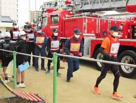 香川県高松南署が消防と合同でランニングでの見守り活動