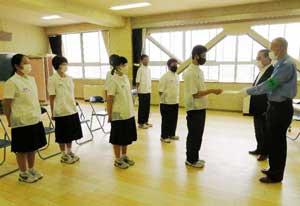 石川県金沢東署が中学生生徒を自主防犯ボランティア隊員に委嘱