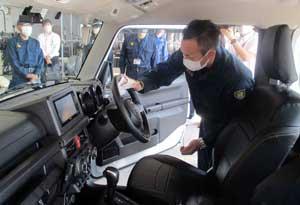 愛媛県警の機動装備隊が消毒作業の訓練実施