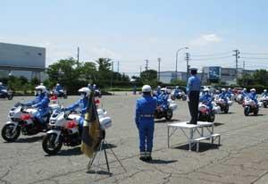 新潟県警交機隊で交通部長の服装点検・車両点検を実施