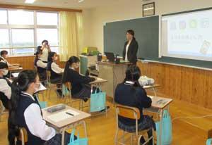 福岡県朝倉署が高校生向けのネット非行防止教室開く