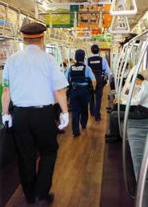 埼玉県越谷署が鉄道事業者と列車警乗を実施