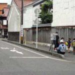 鳥取県倉吉署が可搬式速度違反自動取締装置で子供の見守り活動