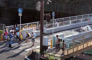 長崎県警が登下校時間帯に通学路で交通取締りを実施
